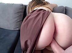 Princess Leia with big juicy ass fucks with a guy