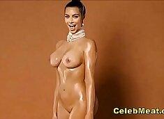 Kim Kardashian Showing Us Her Nude Celebrity Pussy